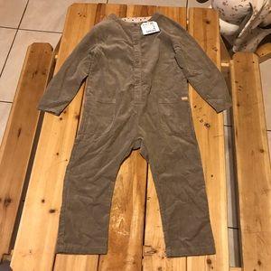 Zara girl corduroy jumpsuit in khaki size 3-4